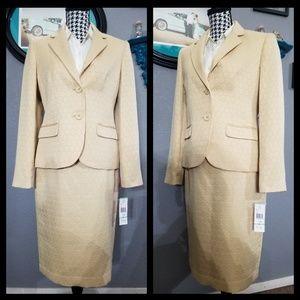 Stylish 9&Co Suit NWT